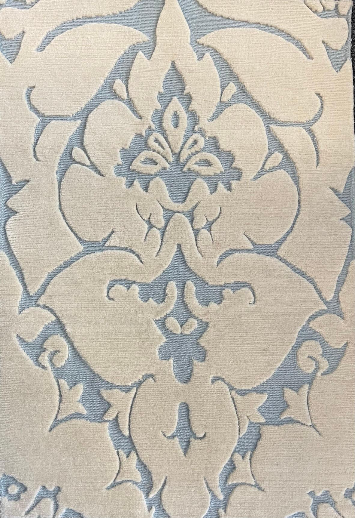 447 Cipriani; Crema, Light Blue